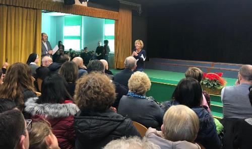 """L'assessore regionale Barbara Zilli interviene alla presentazione del """"Progetto Presepio 2019"""" nella scuola Santa Maria degli Angeli di Gemona"""