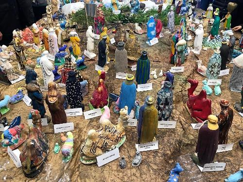 Alcune delle 10mila statuine del presepe di Gemona