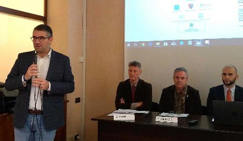 L'assessore regionale alla Sicurezza Pierpaolo Roberti interviene al Convegno dedicato all'amianto organizzato a Gorizia dal Sindacato autonomo Vigili del fuoco (Conapo) in collaborazione con il Sindacato autonomo Polizia (Sap).