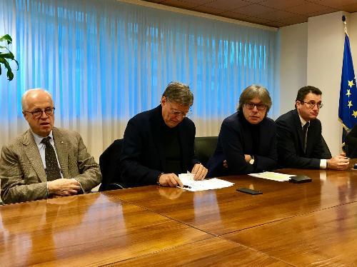 L'assessore regionale alle Attività produttive, Sergio Emidio Bini, durante la conferenza stampa di presentazione dei dati sul settore turistico in Friuli Venezia Giulia sulla base delle rilevazioni dell'Osservatorio congiunturale Confcommercio Fvg, in collaborazione con Format Ricerche.