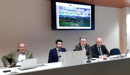 L'assessore regionale alle Infrastrutture e territorio, Graziano Pizzimenti - secondo da destra nella foto - durante la presentazione dei risultati del secondo anno di programmazione dei treni storici