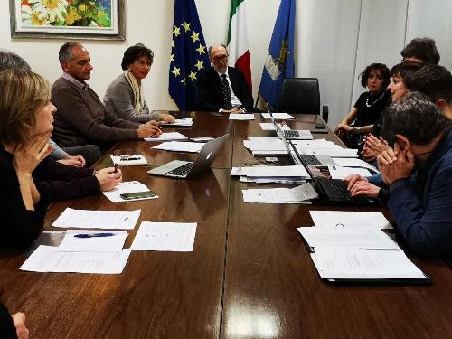Il vicegovernatore Riccardo Riccardi al tavolo con il Comitato del volontariato