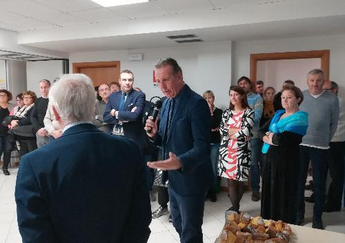 L'assessore regionale all'Ambiente, Fabio Scoccimarro, nel corso dell'incontro di fine anno organizzato nella sede dell'Agenzia per l'ambiente di Palmanova