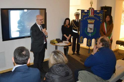 L'assessore regionale al Patrimonio del Friuli Venezia Giulia, Sebastiano Callari, alla cerimonia dedicata alla presentazione di un nuovo pannello nel Memoriale delle vittime dell'amianto all'interno del Museo della cantieristica di Monfalcone