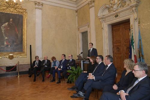Il governatore del Friuli Venezia Giulia, Massimiliano Fedriga, durante la conferenza stampa di fine anno