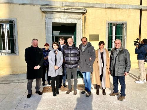 Il vicegovernatore del Friuli Venezia Giulia, Riccardo Riccardi, durante la sua visita alla Asp Muner di Lovaria con il sindaco di Pradamano, Enrico Mossenta, e i vertici della Fondazione.