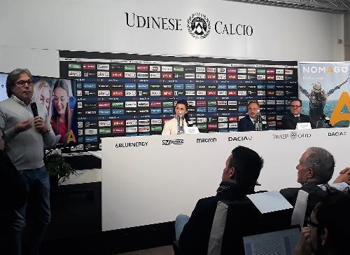 Bini alla presentazione nella sala stampa dello stadio Dacia Arena