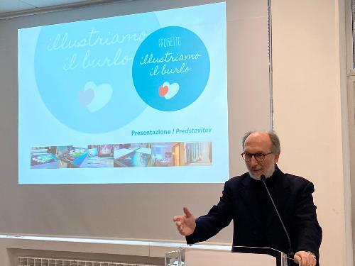 L'intervento del vicegovernatore Riccardo Riccardi durante l'evento di presentazione delle 26 illustrazioni collocate in 10 stanze della Clinica pediatrica del Burlo di Trieste.