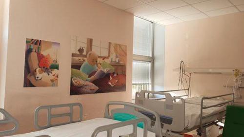 Una delle stanze del Burlo con uno dei pannelli realizzati dall'artista Vesna Benedetic.