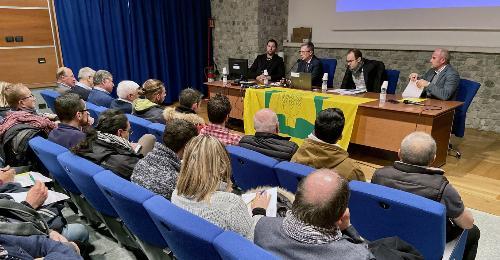 Un momento dell'incontro a cui ha partecipato l'assessore alle Risorse agroalimentari Stefano Zannier