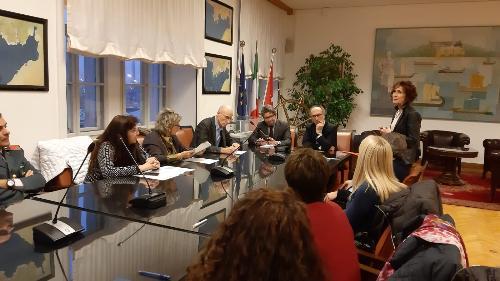Il vicegovernatore del Friuli Venezia Giulia con delega alla Salute, Riccardo Riccardi, alla riunione che si è svolta a Trieste nella sede dell'Autorità di sistema portuale del mare Adriatico orientale.