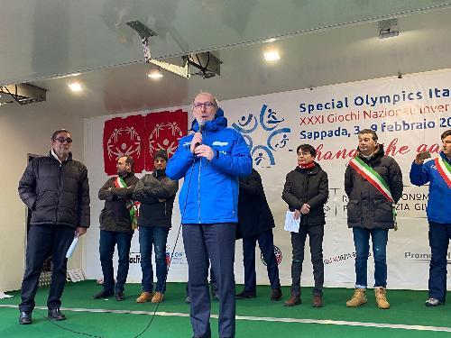 Il vicegovernatore del Friuli Venezia Giulia, Riccardo Riccardi, durante la cerimonia di apertura dei Giochi nazionali invernali Special Olympics di Sappada.