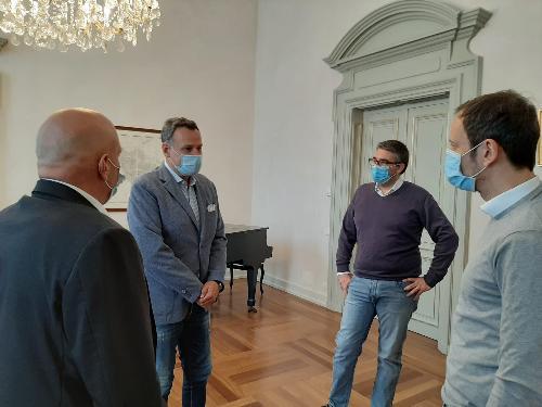 Fedriga, Roberti e il presidente del Fogolar Furlan di Hong Kong Michele Cicigoi a Trieste