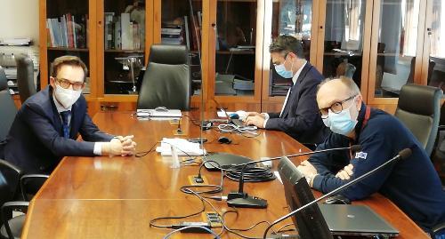 Il vicegovernatore Riccardo Riccardi nell'incontro con il sindaco di Lignano Luca Fanotto