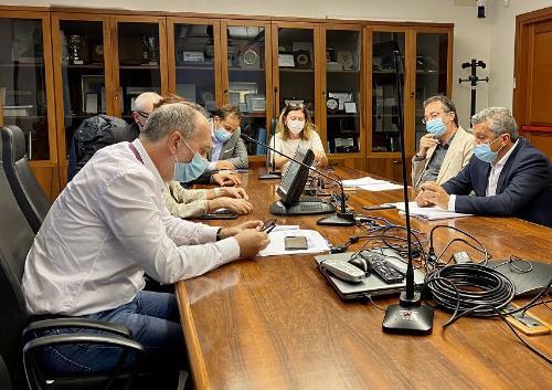 Il vicegovernatore del Friuli Venezia Giulia con delega alla Salute, Riccardo Riccardi, durante l'incontro con il sindaco di Palmanova, Francesco Martines, sul tema dell'Ospedale palmarino.
