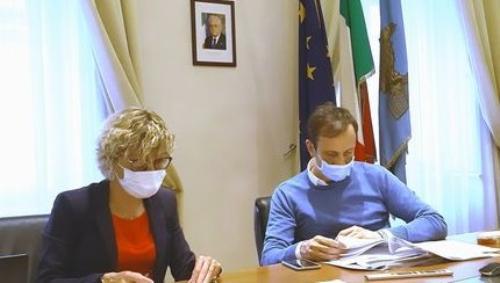 Il governatore del Friuli Venezia Giulia Massimiliano Fedriga e l'assessore alle Finanze Barbara Zilli