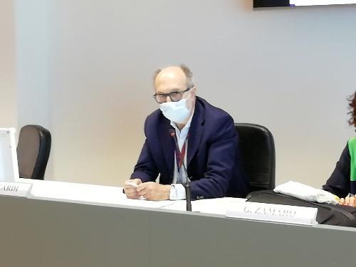 Il vicegovernatore con delega alla Salute, Riccardo Riccardi, durante la presentazione dell'aggiornamento 2017-2018 del Registro Tumori Fvg.