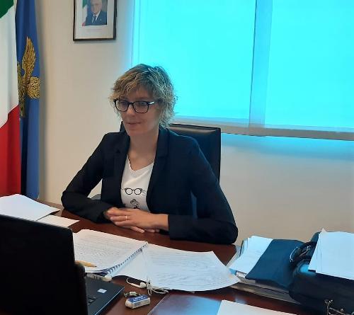 L'assessore regionale alle Finanze, Barbara Zilli, all'assemblea ordinaria di Informest in videconferenza.