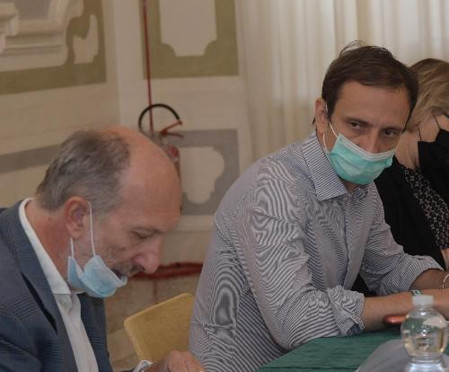 Il vicegovernatore del Friuli Venezia Giulia con delega a Salute e Protezione civile Riccardo Riccardi, in primo piano durante la seduta di Giunta regionale