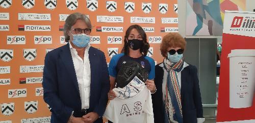 La campionessa di spada Mara Navarria tra gli assessori regionali alle Attività produttive e turismo, Sergio Emidio Bini, e alla Cultura e sport, Tiziana Gibelli - Udine, 14 luglio 2020.