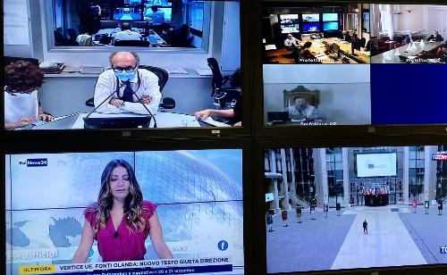 Un momento dell'incontro in videoconferenza tra il vicegovernatore del Friuli Venezia Giulia con delega a Salute e Protezione civile, Riccardo Riccardi, e le prefetture di Trieste, Udine e Gorizia.