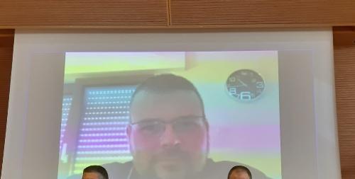 Il comandante del corpo di Polizia locale di Monfalcone, Rudi Bagatto, in collegamento video durante la consegna degli encomi della Regione alla Polizia locale - Udine, 6 agosto 2020.