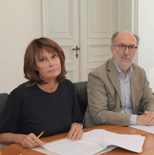 Il vicepresidente del Friuli Venezia Giulia con delega alla Salute, Riccardo Riccardi l'assessore all'Istruzione Alessia Rosolen, in una foto d'archivio