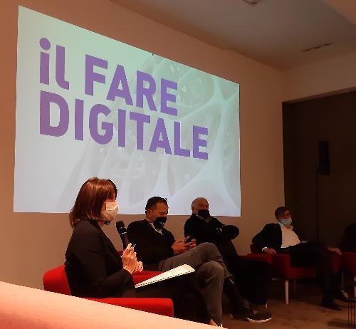 """L'assessore regionale alla Formazione e Lavoro, Alessia Rosolen, all'incontro a Città Fiera """"Il Fare digitale"""""""