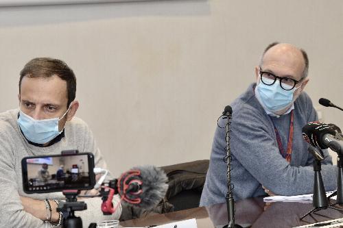 Il governatore Massimiliano Fedriga e il vicegovernatore Riccardo Riccardi nel corso dell'illustrazione settimanale dei dati del contagio da Covid-19 in regione.