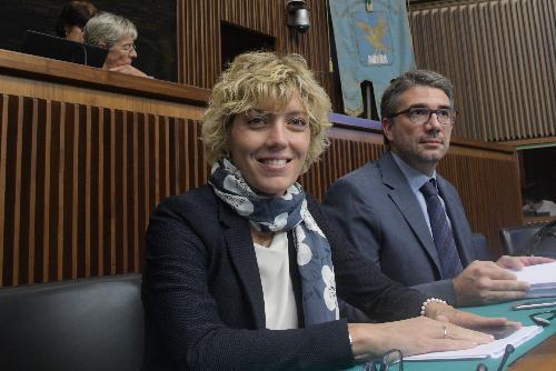Foto d'archivio che ritrae gli assessori regionali alle Finanze Barbara Zilli e agli Enti locali Pierpaolo Roberti