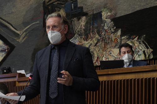 L'assessore regionale alla Difesa dell'ambiente, all'energia e sviluppo sostenibile, Fabio Scoccimarro, durante la discussione sulla legge di Stabilità