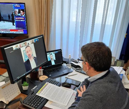 L'assessore con delega alle Lingue minoritarie Pierpaolo Roberti in videoconferenza con Arlef