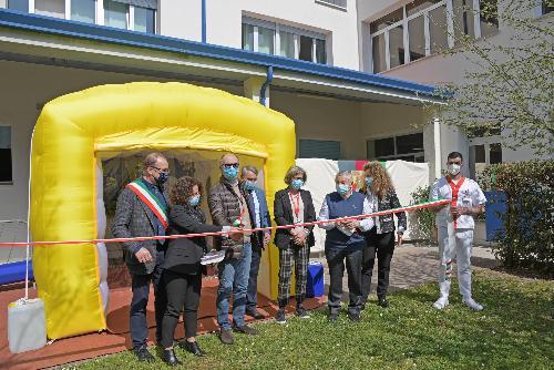 L'inaugurazione della stanza degli abbracci nella casa di riposo di Aviano da parte del vicegovernatore Riccardo Riccardi