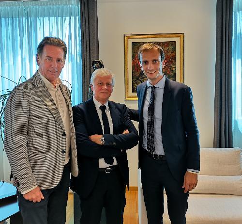 Una foto d'archiovio del governatore del Friuli Venezia Giulia Massimiliano Fedriga con l'assessore alla Difesa dell'Ambiente, Energia e Sviluppo sostenibile Fabio Scoccimarro e il direttore di Arpa Fvg Stellio Vatta.