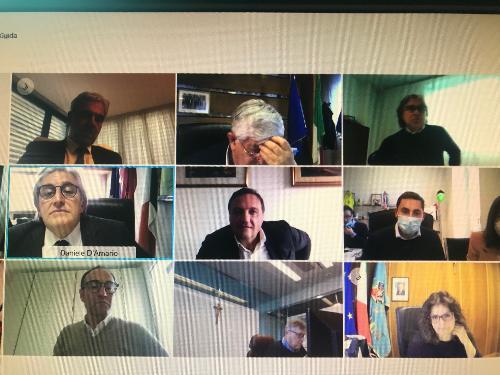 L'assessore regionale alle Attività produttive e turismo, Sergio Emidio Bini, in videoconferenza alla seduta della Commissione turismo e industria alberghiera della Conferenza delle Regioni.