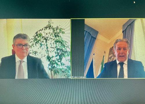 L'assessore regionale alla Difesa dell'ambiente, Fabio Scoccimarro, nel corso dell'intervento al Convegno di Irisacqua con l'amministratore unico, Gianbattista Graziani.