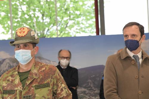 Il governatore del Friuli Venezia Giulia Massimiliano Fedriga con il commissario Francesco Paolo Figliuolo a Gemona