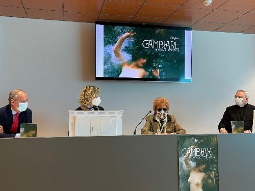 L'assessore alla Cultura, Tiziana Gibelli, alla presentazione a Udine della mostra 'Cambiare' in programma a Illegio