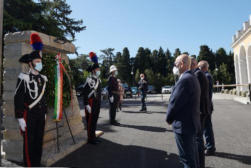 L'assessore regionale Sebastiano Callari alla cerimonia per il Giorno della memoria dedicato alle vittime del terrorismo interno e internazionale e delle stragi di tale matrice tenutasi in largo Caduti di Nassiriya a Trieste.