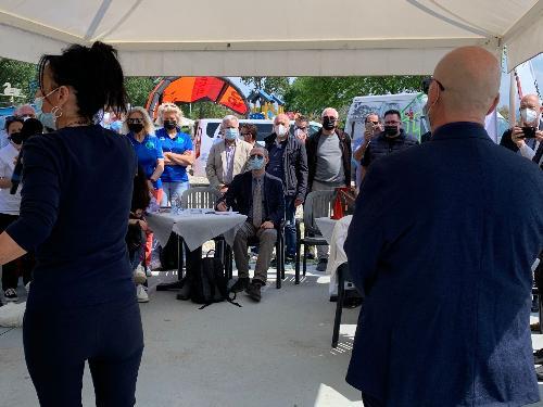 L'assessore regionale al Demanio e Patrimonio Sebastiano Callari alla presentazione della stagione estiva di Monfalcone  e del suo litorale, insieme al sindaco Anna Maria Cisint