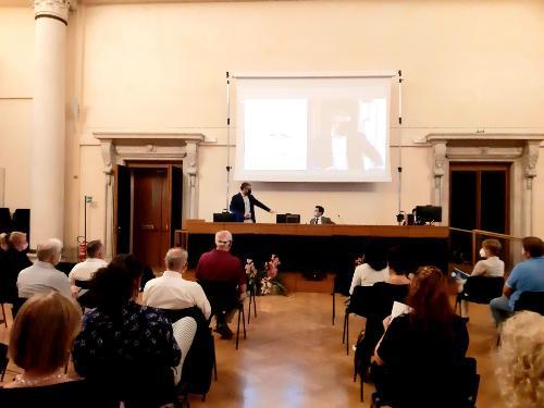 L'assessore regionale alle Lingue minoritarie Pierpaolo Roberti interviene alla seduta generale di Aclif a Udine