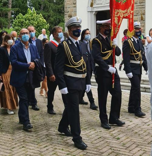 La processione con l'assessore regionale al Patrimonio Sebastiano Callari.
