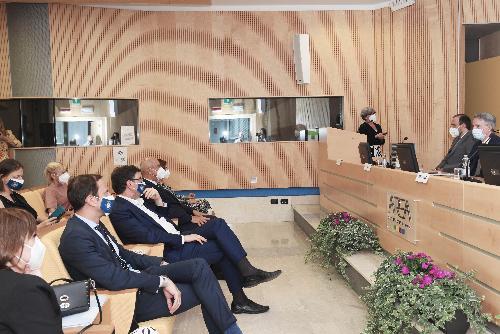Il governatore Fedriga con il ministro Giorgetti in Area science park.