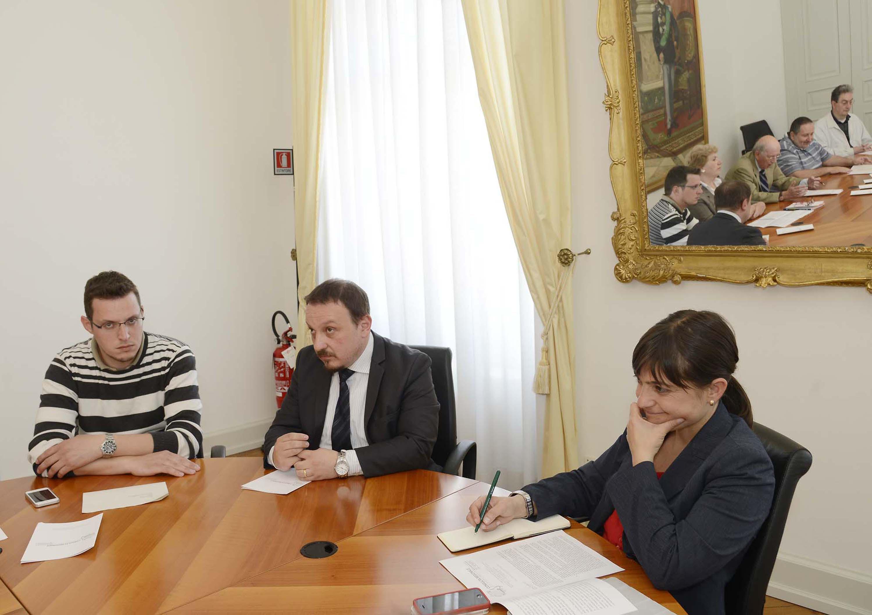Dennis Tarlao, Vincenzo Zoccano (Presidente Consulta regionale Associazioni dei Disabili FVG) e Debora Serracchiani (Presidente Friuli Venezia Giulia) - Foto ARC Montenero